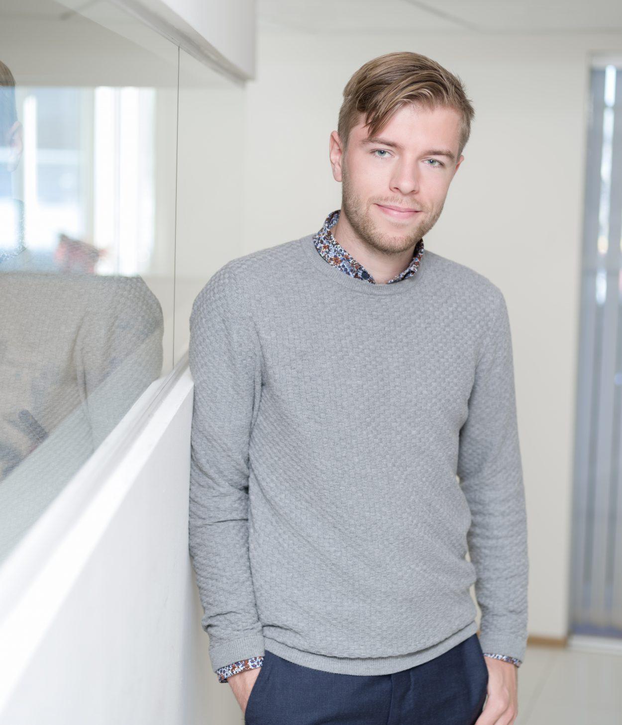 Daniel Maxtstad Front Advkoater