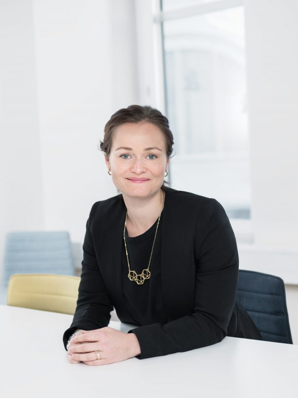 Foto på Emma J Sjöman jurist på Front Advokater