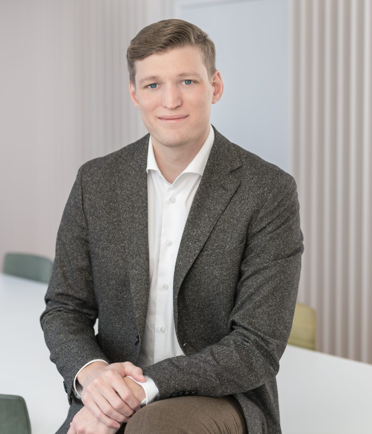 Foto på Erik Sjöberg jurist offentlig rätt på Front Advokater