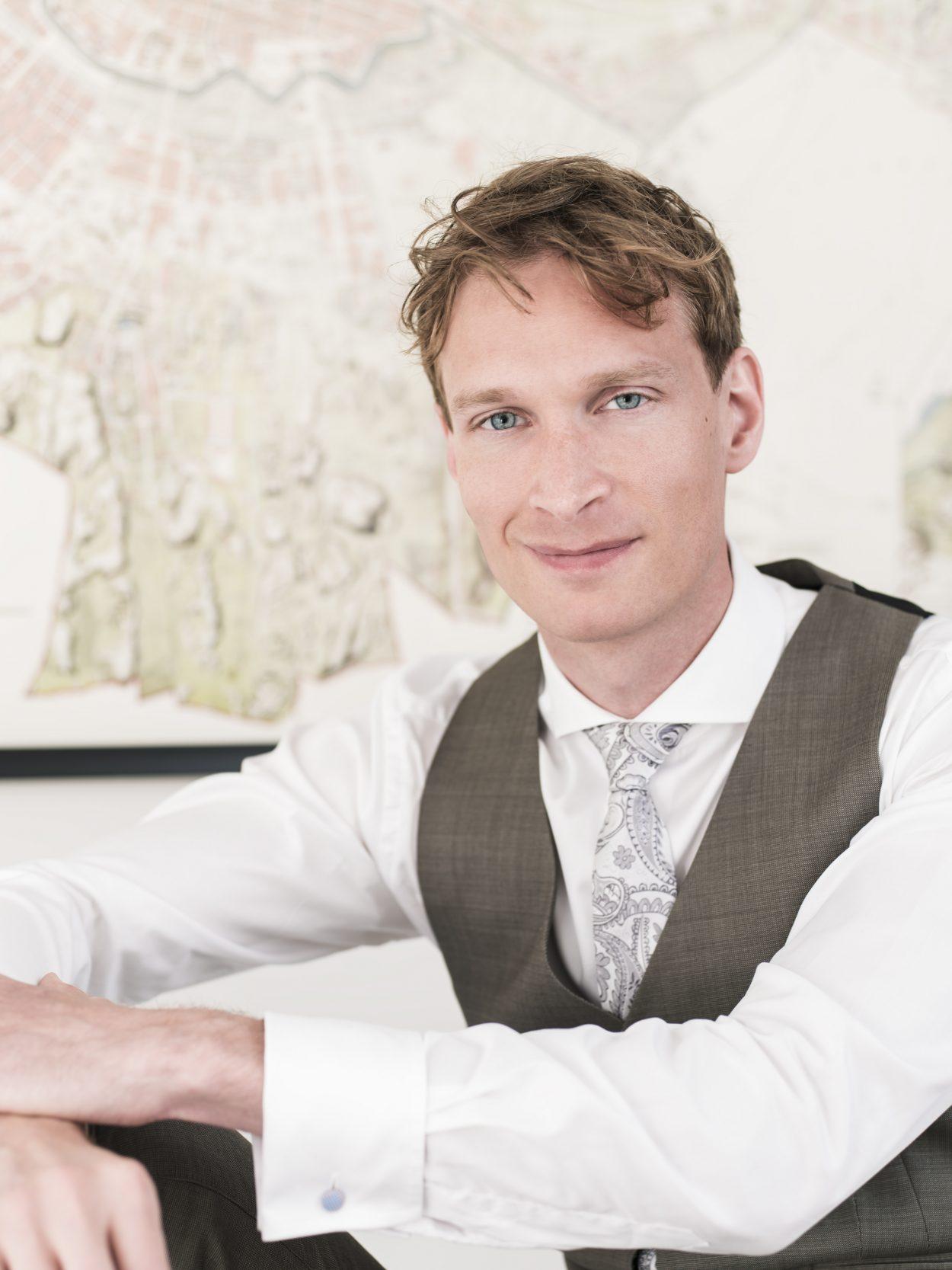 Karl Larsson Front Advokater