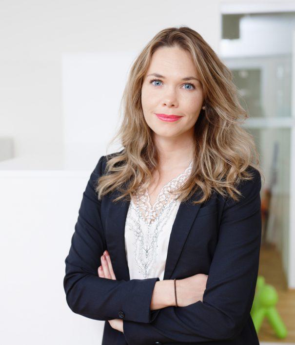 Foto på Nathalie Jonsson jurist Front Advokater